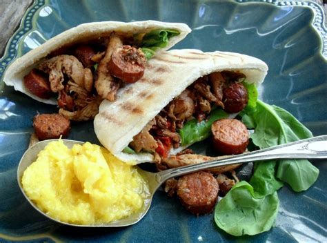 Pita Polkadot With chicken and chorizo in pita breads with pineapple coulis