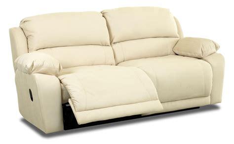 klaussner reclining sofa klaussner charmed power reclining sofa olinde s