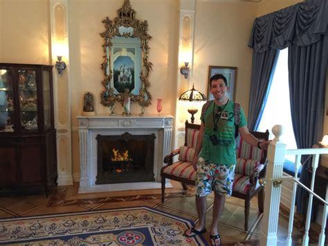 disneyland dream suite walk in walt s footsteps tour pin disney pins blog