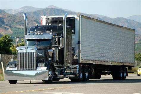 kenworth 18 wheeler kenworth big rig truck 18 wheeler flickr photo