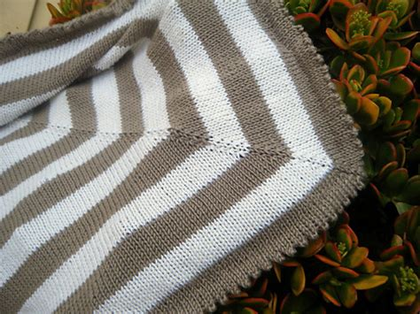 Modern Baby Blanket Knitting Patterns by Lost In Stash Cerys Baby Blanket