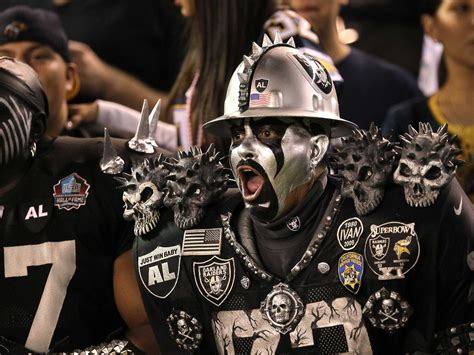 oakland raiders fan raiders get land for stadium in texas business insider