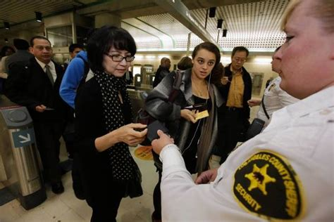 La County Background Check Gate Dilemma Will Keep Metro Rail Riders On Honor System Latimes