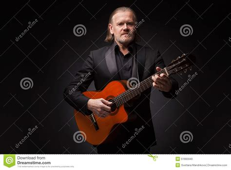 who is the man with guitar in the direct tv commercial man with guitar stock photo image 51665940
