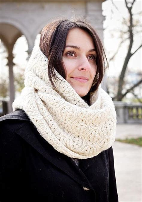 how to knit a circle scarf learn how to knit an infinity scarf