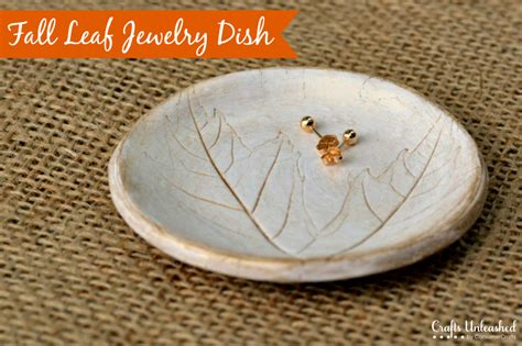 Crafty Home Decor Ideas Clay Dish Jewelry Holder With Leaf Imprint Crafts Unleashed