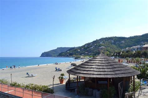 appartamenti liguria mare vacanze vacanze mare tutto luglio in liguria a 500 a testa