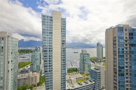 Appartments In Vancouver by Georgian Towers Apartments Vancouver Bc Walk Score