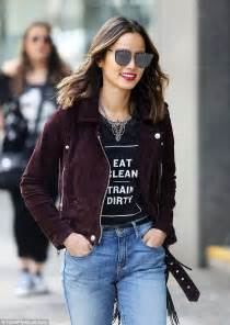 White Mini Chandelier The Real World S Jamie Chung Looks Incredibly Cool While