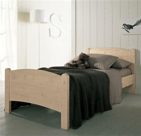 letti singoli in legno massello letto moon letti classici in vero legno massello