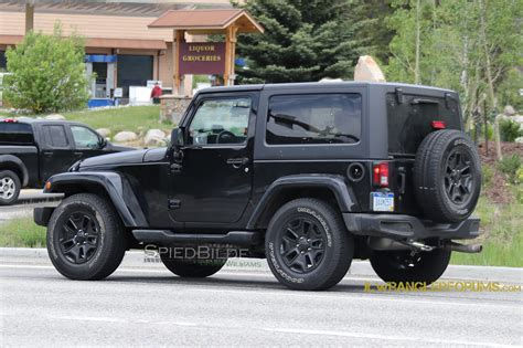 jl jeep 2018 jeep wrangler jl mule confirms six speed manual