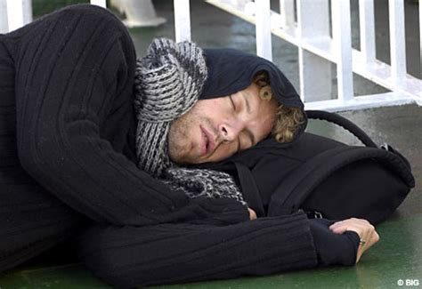 Why Is Millionaire Coldplay Chris Martin Sleeping why is millionaire coldplay chris martin sleeping