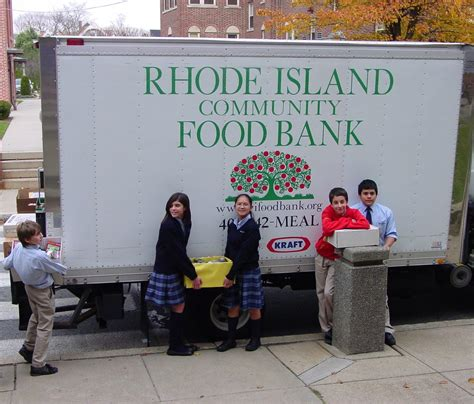 Food Pantry Providence Ri by Around The Diocese 12 9 2010 Rhode Island Catholic