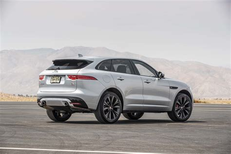 jaguar f pace jaguar f pace 2017 motor trend suv of the year finalist