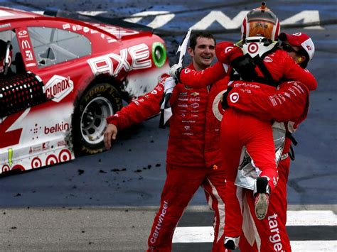 kyle racing books kyle larson larson finds victory at mis