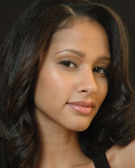 infinity commercial actress q who is the hot girl in the lincoln mkz