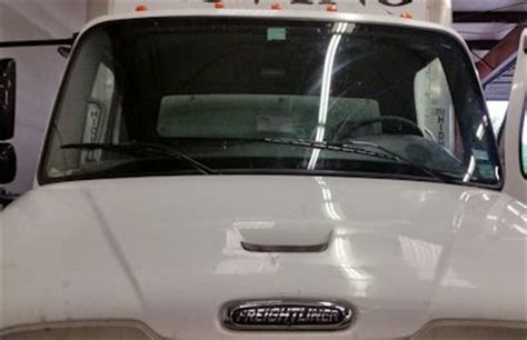 commercial truck windshield replacement abbey rowe