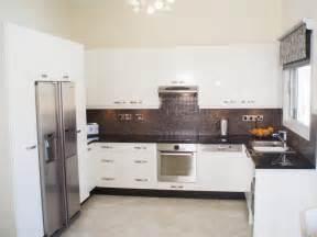 high gloss paint kitchen cabinets spraying polyurethane kitchens