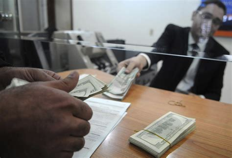 Teen spends 31 000 accidentally deposited in bank account bank wants