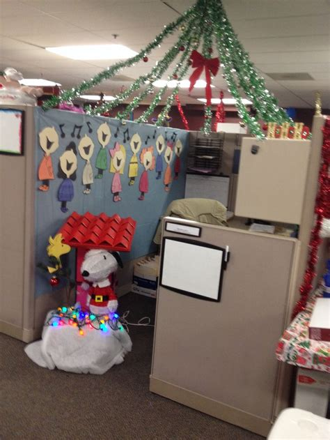 christmas decorating cubicles at work 17 ideas about cubicle decorations on decorations diy