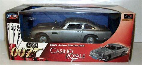 aston martin db5 casino royale ertl 1 18 scale 39413 aston martin db5 1965 casino