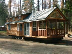 house on wheels tiny houses on pinterest tiny house tiny homes and tiny cabins