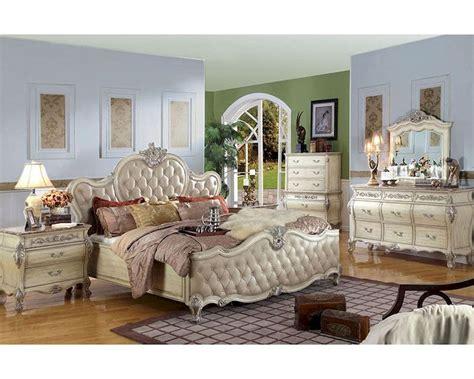 Antique White Bedroom Furniture by Antique White Bedroom Set Mcfb8301set