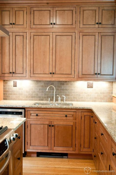 maple kitchen cabinets with granite countertops trends