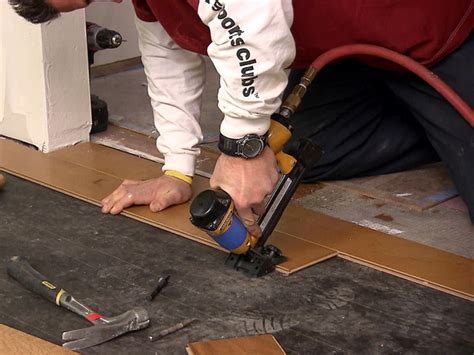 Diy Hardwood Floor Installation How To Install An Engineered Hardwood Floor How Tos Diy