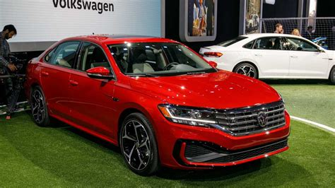 Volkswagen New 2020 by 2020 Vw Passat Arrives In Detroit With Fresh Look More Tech