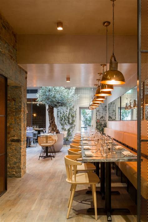 lighting for restaurants and bars 25 best ideas about restaurant lighting on