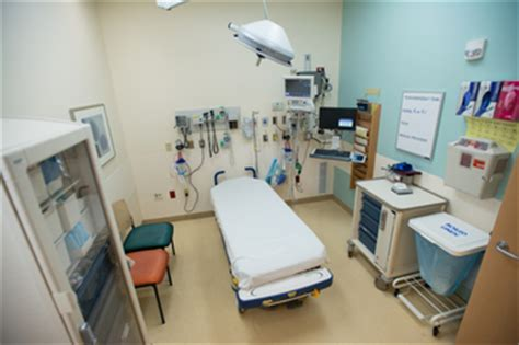 Childrens Hospital Emergency Room by Pediatric Er Contributes To Success Of New C S Mott