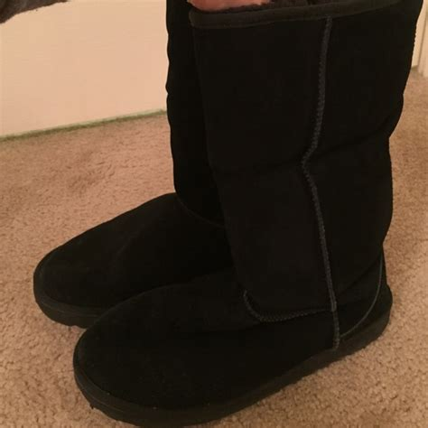43 ugg shoes s black ugg boots size 10 from