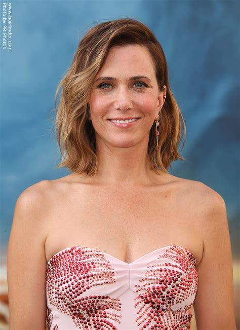 Kristen Wiig Hairstyles by Kristen Wiig S Wavy Bob Or Wob Hairstyle With Ombr 233 Color