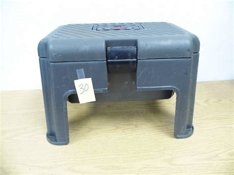 Rubbermaid Stool Tool Box by Rubbermaid Step Stool Tool Box June 12 Consignment K Bid