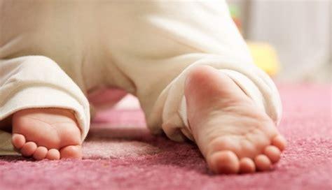 Quando I Bambini Iniziano A Gattonare by Quando Iniziano A Camminare I Bambini Idaddy It