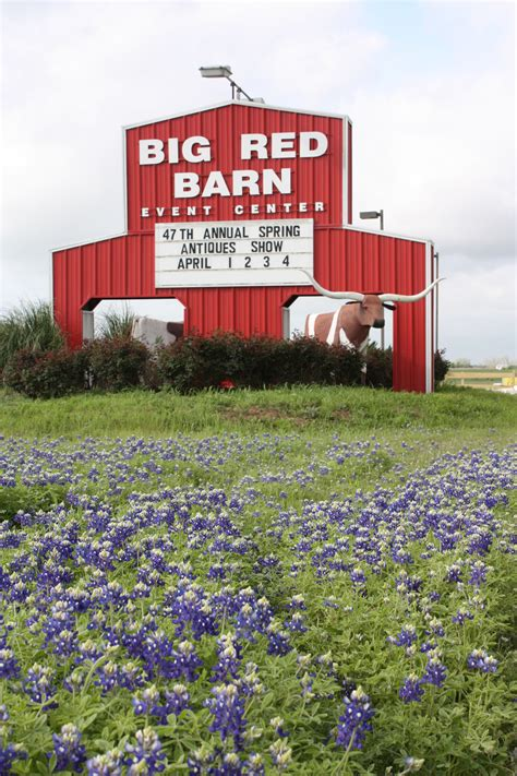 Big Yellow Barn Can T Miss Tips For Round Top Antiques Show Round Top