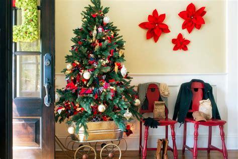 77 diy christmas decorating ideas hgtv diy holiday decorations hgtv
