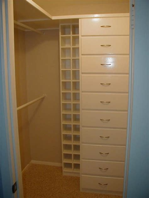 Walk In Closets For Small Spaces by 15 Best Images About Closet Ideas On Shelves