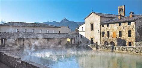 bagno vignoni siena bagno vignoni le acque termali by siena