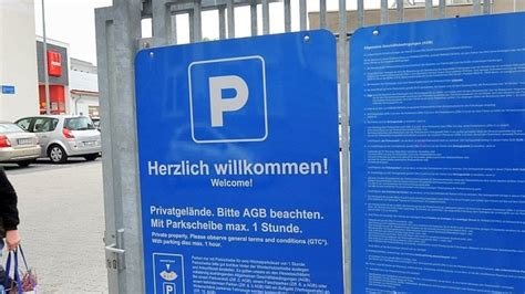 parken auf discounter parkplatz kundin soll 30