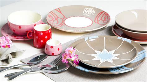 decorazione piatti cucina dalani piatti decorati metti l arte in tavola