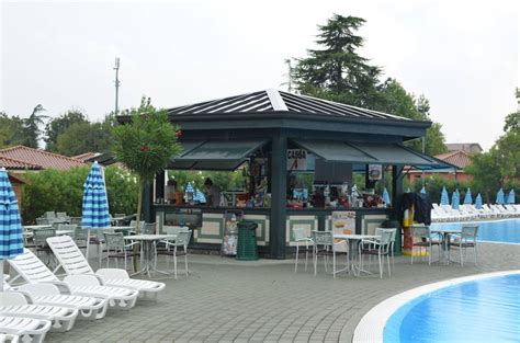 Bar Im Pool by Quot Bar Am Pool Quot Cing Bungalows Italia Peschiera