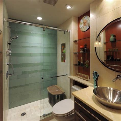 5 x 8 bathroom who makes this sliding glass shower door
