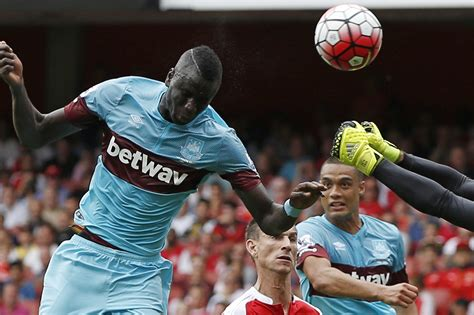 arsenal score arsenal vs west ham score and reaction from 2015 premier