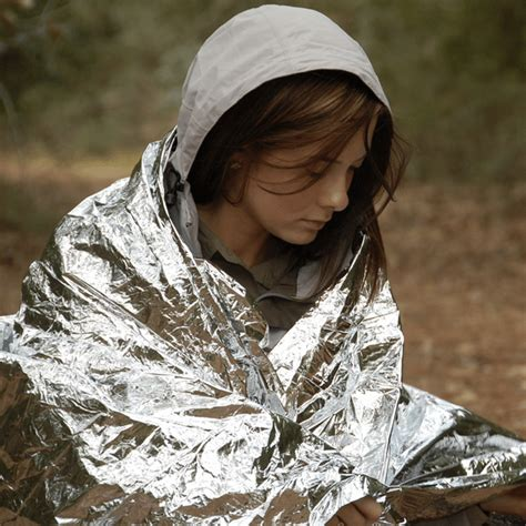 What Is A Mylar Blanket by 50 Uses For A Mylar Emergency Blanket Homestead Survival