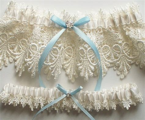 Wedding Garter Sets by Everything You Need To About The Wedding Garter