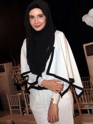 desain gaun zaskia sungkar 300xauto desain hijab eropa arab by zaskia sungkar 1407150