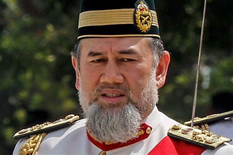 malaysian king set  divorce russian model  years