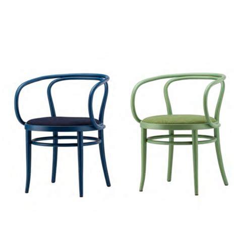 thonet chaise thonet donne de la couleur 224 la c 233 l 232 bre chaise 209